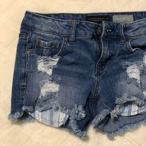 Aéropostale Low Rise Jean Shorts